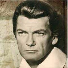 11 декабря родился Жан Марэ - знаменитый французский актёр, а также постановщик, писатель, художник, скульптор, прославленный каскадёр