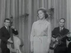 27 февраля родилась Гелена Великанова - советская эстрадная певица