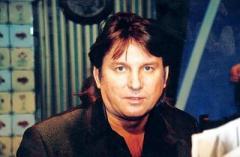 1 февраля родился Юрий Лоза - популярный певец, поэт и композитор