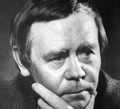 15 марта родился Валентин Распутин - писатель-прозаик и общественный деятель