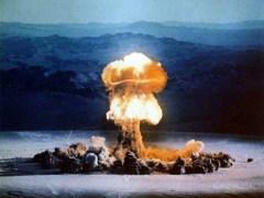 16 июля произведен первый в мире ядерный взрыв