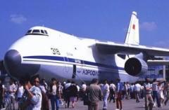 24 декабря В Киеве совершил первый полет самолет Ан-124 «Руслан»