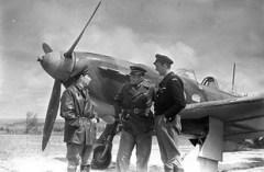 25 ноября Подписано советско-французское соглашение о формировании на территории СССР французской авиационной эскадрильи, позднее известной как «Нормандия-Неман»