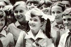 25 августа в авиакатастрофе погибла Саманта Смит - «маленький посол мира»