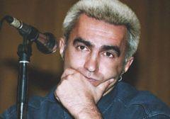 15 октября родился Вячеслав Бутусов -  вокалист группы «Наутилус Пампилиус»