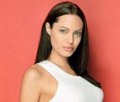 4 июня родилась Анджелина Джоли -  американская актриса и фотомодель