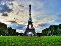 31 марта В Париже состоялось торжественное открытие Эйфелевой башни