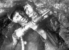 3 января родился Алексей Стаханов - советский шахтер, основоположник стахановского движения