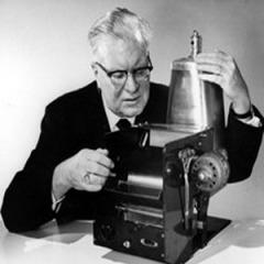 22 октября Изобретатель Честер Карлсон впервые в истории сделал ксерокопию