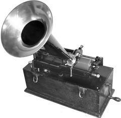 11 марта состоялась демонстрация фонографа Томаса Эдисона
