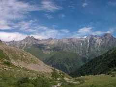 11 сентября Одна из горных вершин Центрального Кавказского хребта названа «Курском» - в честь погибших членов экипажа подводной лодки «Курск»