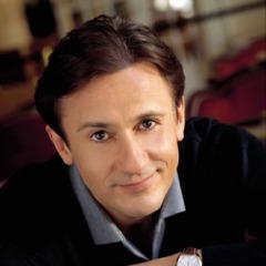 8 ноября Олег Меньшиков - советский и российский актер театра и кино