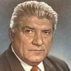 6 января родился Николай Крючков - советский актер театра и кино