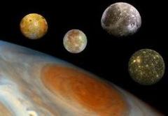 7 января Галилео Галилей открыл четыре крупнейших спутника Юпитера