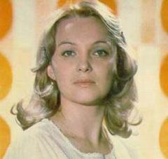 7 января родилась Наталья Гвоздикова - российская актриса, заслуженная артистка РСФСР