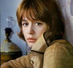 8 января родилась Марина Неелова - актриса театра и кино, народная артистка РСФСР