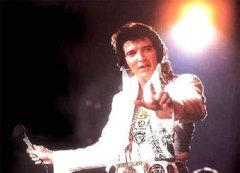 8 января родился Элвис Пресли - легендарный американский певец, один из создателей рок-н-ролла