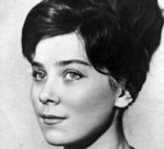 9 марта родилась Лариса Голубкина - советская и российская актриса театра и кино, народная артистка РСФСР