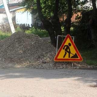 В течение недели новый асфальт уложили на улицах Русской, Гостевой и Новоникольском шоссе