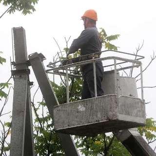 Первые 30 абонентов подключены к новой линий электропередач в поселке Партизан