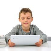 Школьники и гаджеты: как компьютерные игры меняют ребенка
