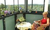 Выбираем способ остекления балкона