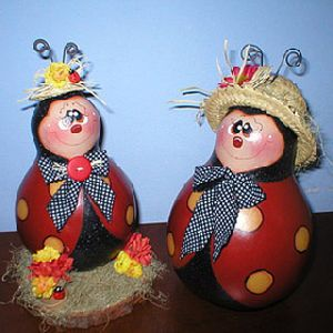 Елочные игрушки из лампочек: кладезь идей для новогоднего декора