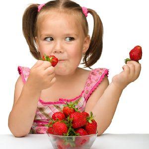 Какие продукты помогают отбеливать зубы?