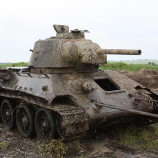 В Воронежской области со дна реки Дон подняли танк Т-34