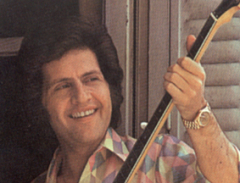 5 ноября родился Джо Дассен - американский певец и музыкант
