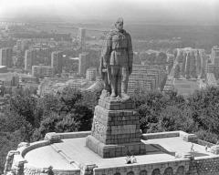 5 ноября открыт памятник советским воинам-освободителям - знаменитый «Алеша»
