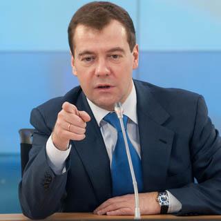 Медведев назвал главу СБУ придурком за слова о терактах в Брюсселе