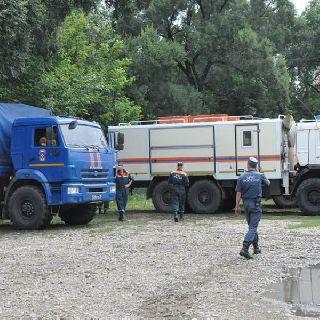 Спасатели Амурского центра МЧС России помогают в Уссурийске
