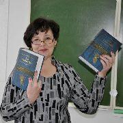Премьер-министр России подарил книги «золотой коллекции Президента РФ» учащимся школы села Пуциловка