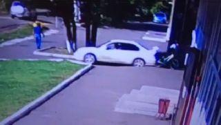 В Уссурийске водитель сбил несовершеннолетнего велосипедиста и скрылся с места ДТП