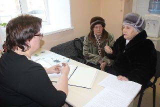 Встречу с жителями Слободы провела заместитель главы администрации Оксана Малышева