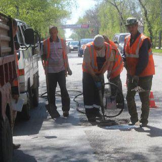 Ремонтные работы на дорогах Уссурийска продолжаются
