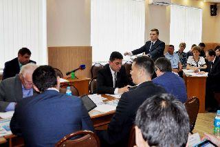 Отчет о деятельности администрации УГО за 2015 год единогласно принят депутатами Думы Уссурийского городского округа