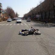 Несовершеннолетний мотоциклист в Уссурийске сбил двух пешеходов