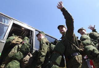 Отслужившим в армии будут платить повышенное пособие