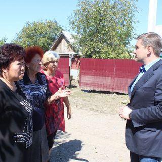 Евгений Корж встретился с жителями района Пушкинского моста