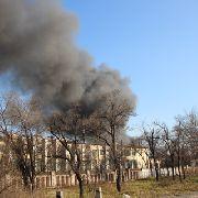 Пожар на складах в Уссурийске всё еще не потушен