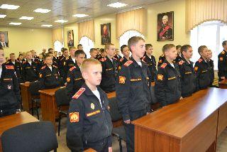 Начальник отдела полиции города Уссурийска совместно с представителем общественного совета провели для суворовцев патриотический урок