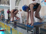 В бассейне «Чайка» дети и взрослые сдают нормы ГТО по плаванию