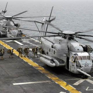 Турция сбила два американских военных вертолета в Сирии, 12 морпехов погибли