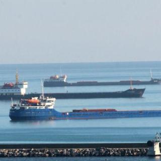 Турция арестовала 27 российских кораблей
