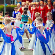 В Уссурийске отмечает свой юбилей образцовый хореографический ансамбль «Акварель» (6 фотографий)