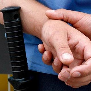 Полицейского Уссурийска подозревают в избиении мотоциклиста