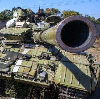 Украинские военные начали отвод техники калибром менее 100 миллиметров в Донбассе
