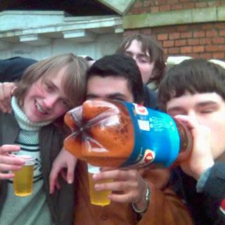 Депутаты предлагают запретить продажу алкоголя россиянам моложе 21 года